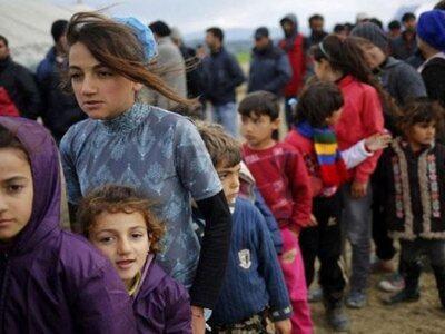 Εξήντα έξι πρόσφυγες μετεγκαταστάθηκαν σ...