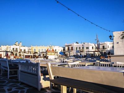 Περιμένοντας τους τουρίστες στα ελληνικά νησιά