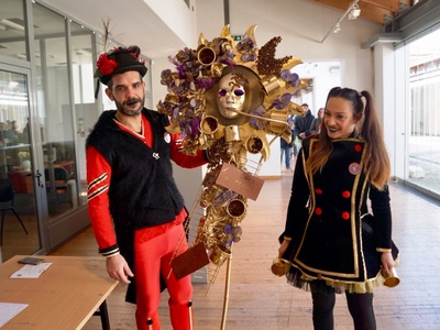 Γέμισε καρναβαλικές μάσκες η Αγορά Αργύρη στη «Μασκελακάρα» - ΔΕΙΤΕ ΦΩΤΟ