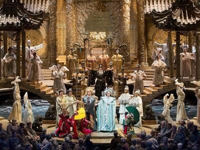 """Απόψε στο Συνεδριακό του Πανεπιστημίου, η όπερα """"Τουραντό"""" live από την Μετροπόλιταν"""