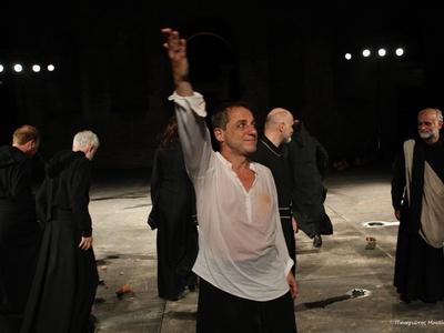 """Κατάμεστο το Αρχαίο Ωδείο στον """"Οιδίποδα Τύραννο"""" - Καταχειροκροτήθηκε ο Δημήτρης Λιγνάδης -ΔΕΙΤΕ ΦΩΤΟ"""