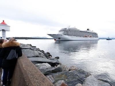 Το κρουαζιερόπλοιο Viking Sky έφθασε στο λιμάνι του Μόλντε