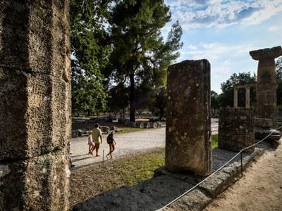 Λιποθύμησαν τουρίστριες στην Αρχαία Ολυμπία και δεν υπήρχε νερό!