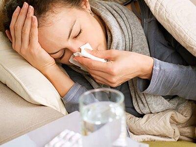 Οι περιορισμοί φεύγουν, η γρίπη έρχεται