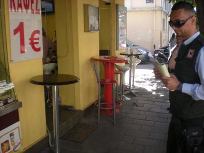 """Πάτρα: """"Σαφάρι"""" για τα τραπεζοκαθίσματα ξεκίνησε ο Δήμος - Μπαράζ ελέγχων σε όλη την πόλη - Δείτε Φωτο"""
