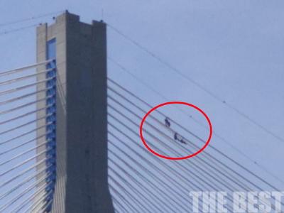 Εργασίες στη γέφυρα που κόβουν την ανάσα! ΦΩΤΟ