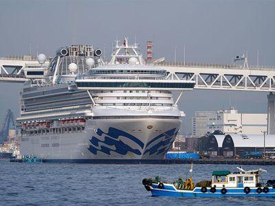 """Κορονοϊός: Τέλος ο """"εφιάλτης"""" για τους εγκλωβισμένους επιβάτες του Diamond Princess"""