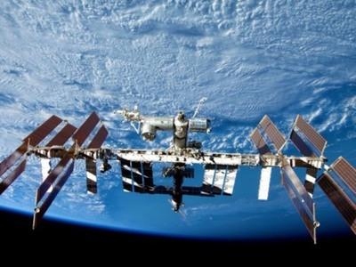 Αστροναύτες της NASA «περπάτησαν» έξω από τον Διαστημικό σταθμό για να αλλάξουν μπαταρίες στα ηλιακά πάνελ