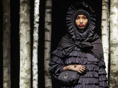 Το φουσκωτό μπουφάν «αλλιώς» στη σειρά Moncler Genius by Simone Rocha