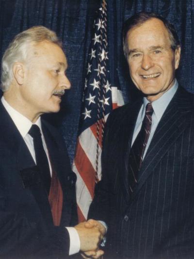 Ο Ανδρέας Ζαίμης με τον πρώην πρόεδρο των Ηνωμένων Πολιτειών Τζορτζ Μπους