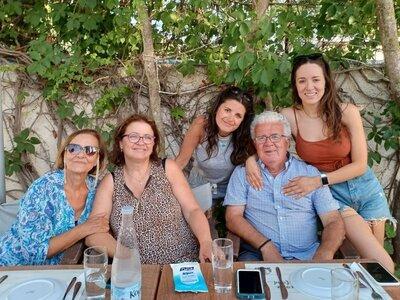 Η Καλομοίρα κάνει διακοπές στην Κεφαλονιά
