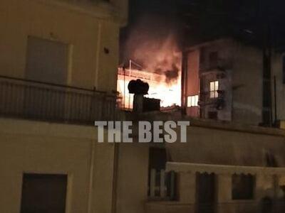 Πάτρα: Απίστευτες εικόνες από φωτιά σε δ...