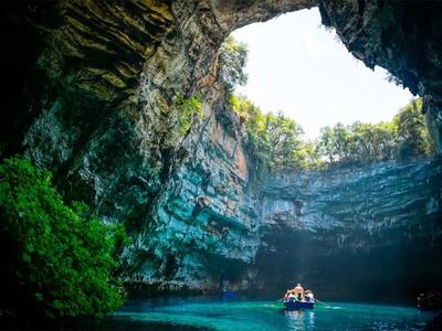 Το βίντεο από το σπήλαιο στη Μελισσάνη της Κεφαλονιάς που έγινε viral
