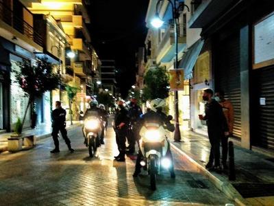 Κορωνοϊός: Τελευταία νύχτα αυστηρής επιτ...