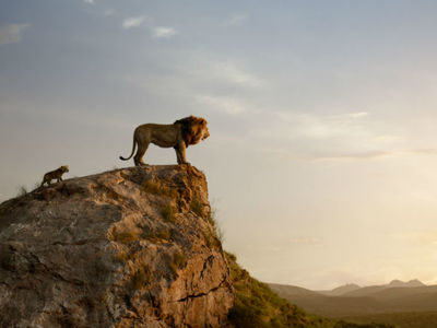 "Tρία αστέρια από το ""Αθηνόραμα"" στο ριμέικ του ""Βασιλιά των Λιονταριών"""