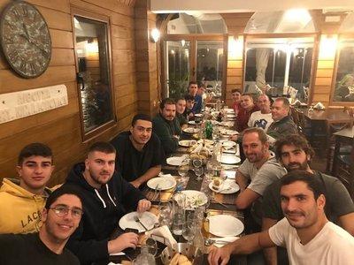Δείπνο στην ανδρική ομάδα πόλο του ΝΟΠ (ΦΩΤΟ)