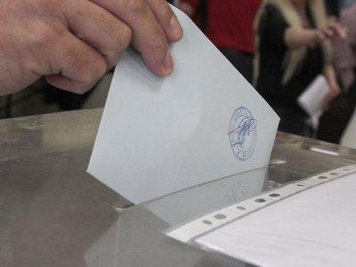 Κατέβηκε η δικαστική από τον 3ο όροφο στο ισόγειο & εξυπηρέτησε υπερήλικα ψηφοφόρο