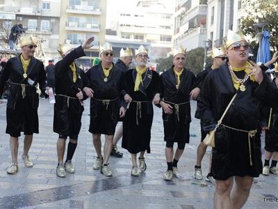 Τα ...έσπασαν οι έντεκα Ριχάρδοι στην παρέλαση του Πατρινού Καρναβαλιού - ΦΩΤΟ