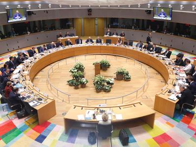 ΕΕ – Κορωνοϊός: Πρέπει να υπάρξει μία ευρωπαϊκή προσέγγιση για τη στήριξη των τραπεζών