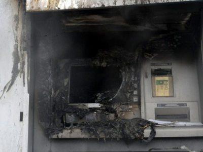 Έβαλαν βόμβα στο ΑΤΜ, το άρπαξαν κι έφυγαν! Συνέβη ξημερώματα στην Ακράτα