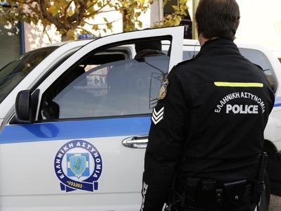 16χρονος μπούκαρε σε σπίτι και έκλεψε χρήματα, κινητό, κάρτες και γυαλιά