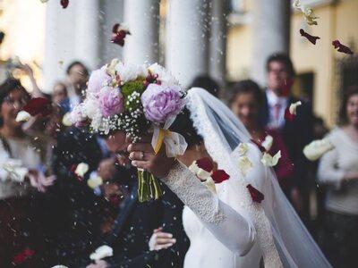 Κορωνοϊός: Νέο κρούσμα σε γάμο στην Αλεξ...