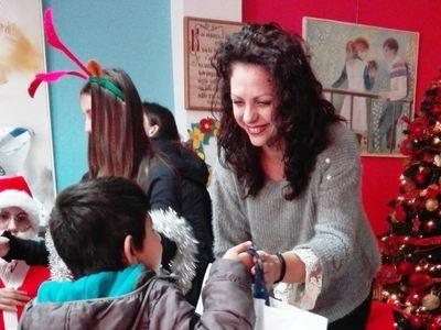 ΕΛΠΕ: Είδη πρώτης ανάγκης σε ευάλωτες οικογένειες και δώρα σε παιδιά
