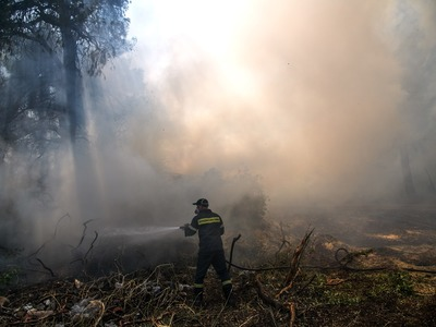 Πολύ υψηλός ο κίνδυνος πυρκαγιάς και για την Κυριακή σε 6 περιφέρειες
