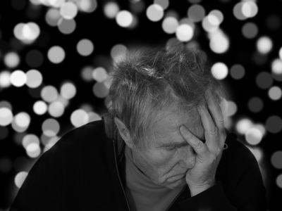 Νέα εξέταση αίματος προβλέπει το Αλτσχάιμερ έως και 20 χρόνια νωρίτερα