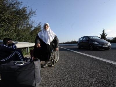 """Συγκλόνισε το δικαστήριο της Πάτρας 81χρονη Σύρια πρόσφυγας - """"Θέλω να πάω στο παιδί μου"""""""