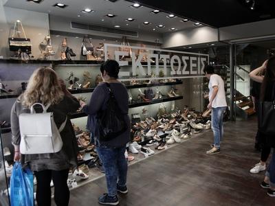 Ανοικτά προαιρετικά τα καταστήματα την Κ...