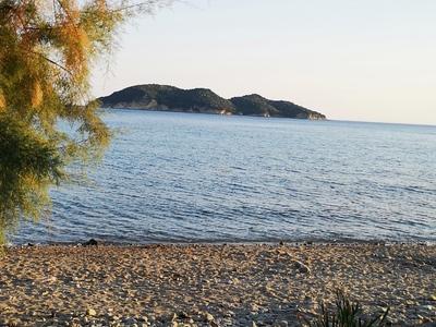 Ζάκυνθος: Μια παραδεισένια παραλία με κρυστάλλινα νερά