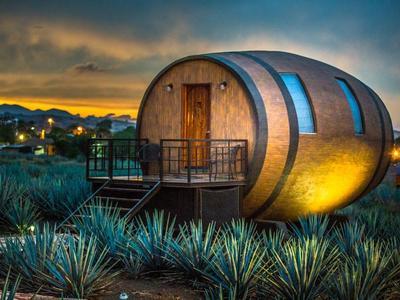 Μεξικό: Δωμάτια σε σχήμα βαρελιού τεκίλας