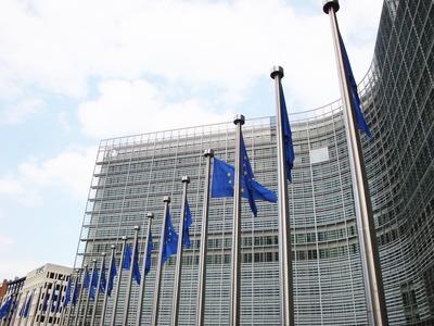 Κομισιόν: Ενίσχυση έως 4.000 ευρώ σε μικ...