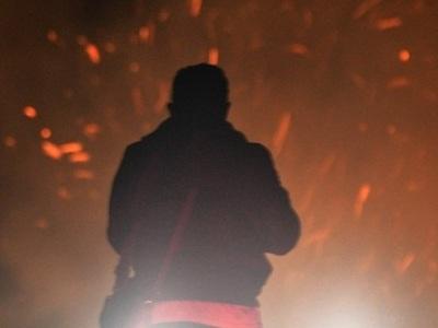 Φωτιά στη Νέα Μάκρη κοντά σε κατοικίες