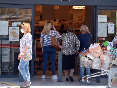 Νέα μέτρα: Τι ισχύει για καταστήματα τρο...