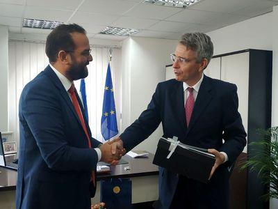 Ο Αμερικανός Πρέσβης θέλει να συμβάλλει στην ενίσχυση της επενδυτικής «ικανότητας» της Δυτ. Ελλάδας