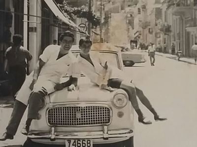 57 χρόνια πριν στην οδό Πατρέως... Ένας κουρέας, ο βοηθός του και το fiatάκι...