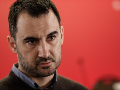 Αλ. Χαρίτσης: «Ο κ. Μητσοτάκης στηρίζει ή αποδοκιμάζει τις πρακτικές του υπουργού του;»