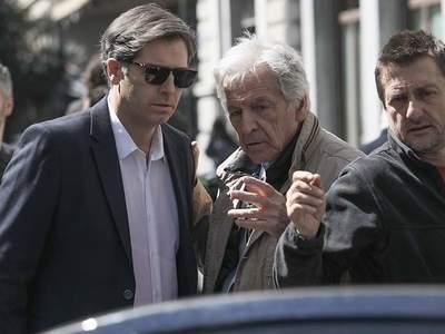 """Στη Βενετία η πρεμιέρα του """"Ενήλικοι στο δωμάτιο"""" με τον Αλ. Μπουρδούμη ως Αλέξη Τσίπρα"""