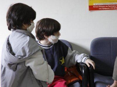 Γονείς προσκομίζουν ψεύτικες βεβαιώσεις για τον εμβολιασμό των παιδιών τους
