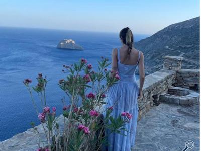Αμαλία Κωστοπούλου: Το υπέροχο γαλάζιο φ...