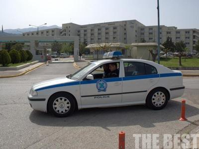 Αστυνομικοί πήγαν ασθενή στην Ψυχιατρική του Ρίου και δεν τον δέχθηκε η γιατρός