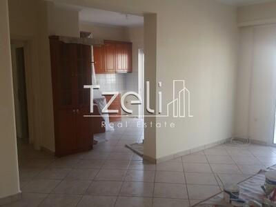 Διαμέρισμα 95 τ.μ., Αγία Σοφία, Πάτρα, 400 €