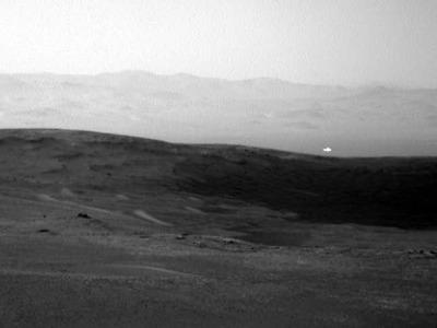 Είναι εξωγήινοι; Η μυστηριώδης λάμψη σε φωτογραφία της NASA από τον Άρη