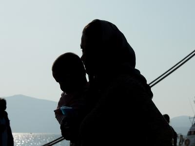 """Γεμίζουν ξανά τα νησιά που """"αδειάζουν"""" με τη μετακίνηση προσφύγων"""