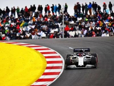 Φόρμουλα 1: Με θεατές τα Grand Prix σε Π...