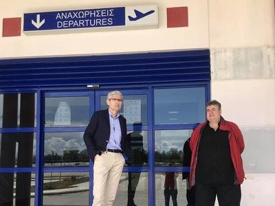 Επίσκεψη του Άγγελου Τσιγκρή στο πολιτικό αεροδρόμιο του Αράξου - ΦΩΤΟ
