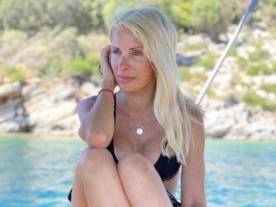Η Ελένη Μενεγάκη βόλτα με το σκάφος της στο Ιόνιο