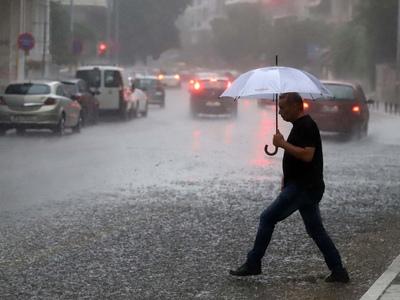 Καταιγίδες και κεραυνοί σήμερα στα Δυτικά